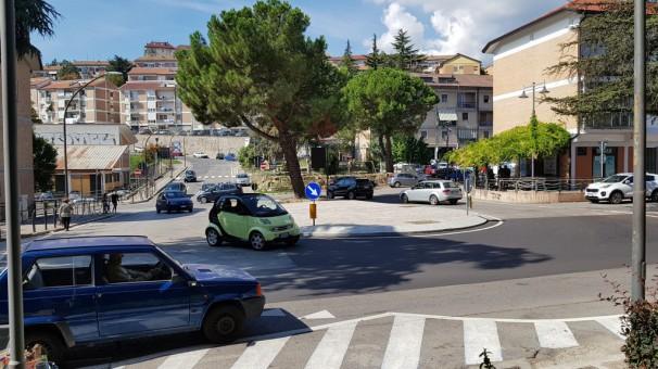 """Le """"rotonde"""" di Verderuolo, croce e delizia di automobilisti e residenti"""